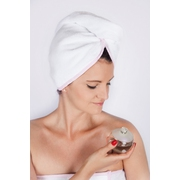 Turban do sauny, univerzální, bílý s růžovým lemem